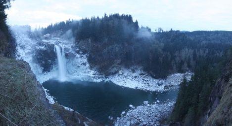 snoqualmie waterfall frozen